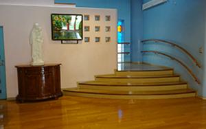 2階に通じる階段